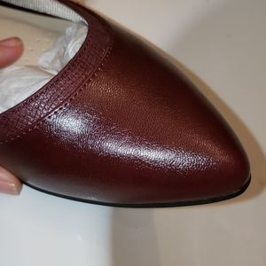 Life Stride Shoes - Brand New Burgundy Flats Size 8 Wide